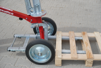 Glastransportwagen im Einsatz für den Transport von Paletten